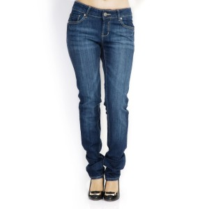 A good pair of jeans - I prefer pencil, dark blue jeans (image source: www.numerounostore.com)
